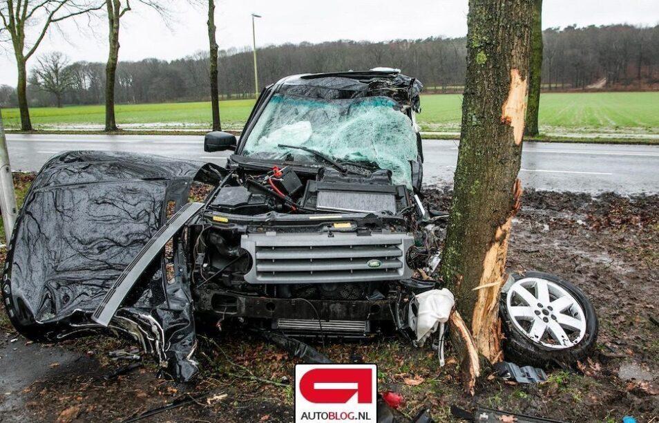 Range Rover crash front
