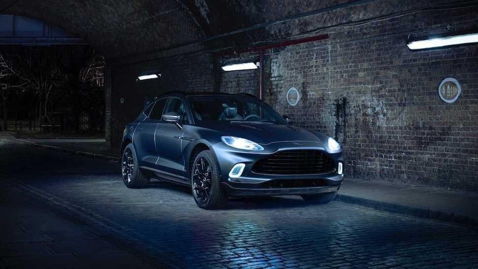 Aston Martin DBX voorkant