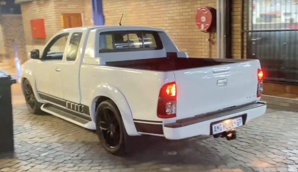 Toyota Hilux AMG V8