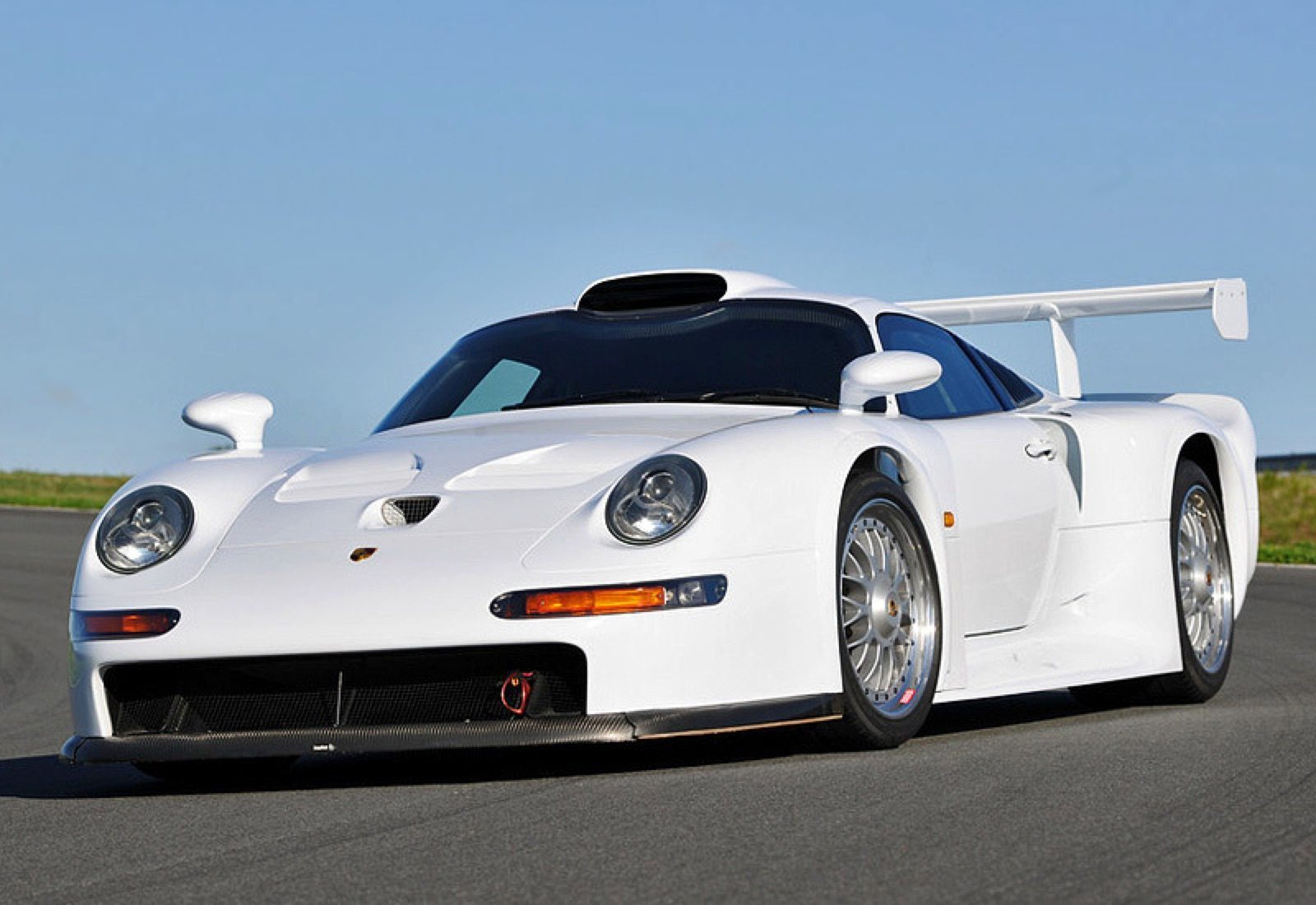 jaren '90 supercars - Porsche 911 GT1 Strassenversion