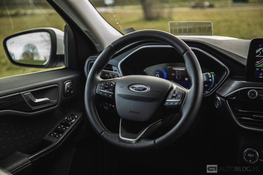 Ford Kuga plug-in hybrid rijtest