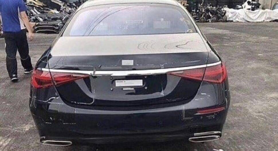 Mercedes S-Klasse 2020 in de blote kont
