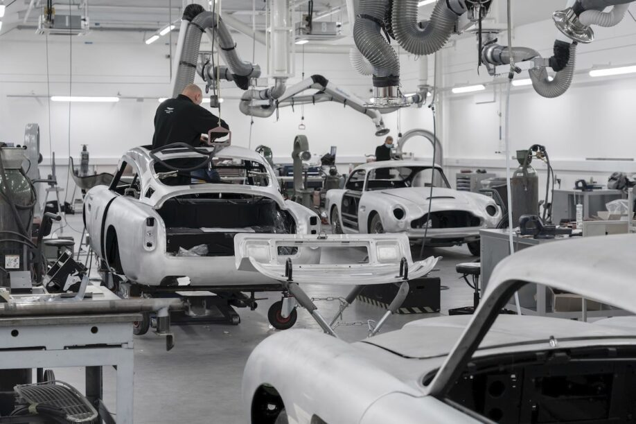Aston Martin DB5 productie