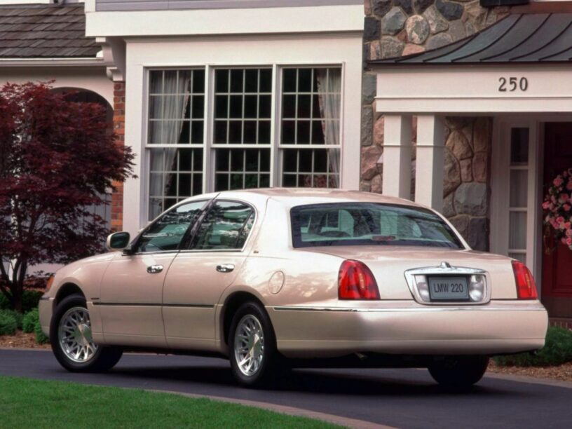 obscure toplimo - Lincoln Town Car Cartier