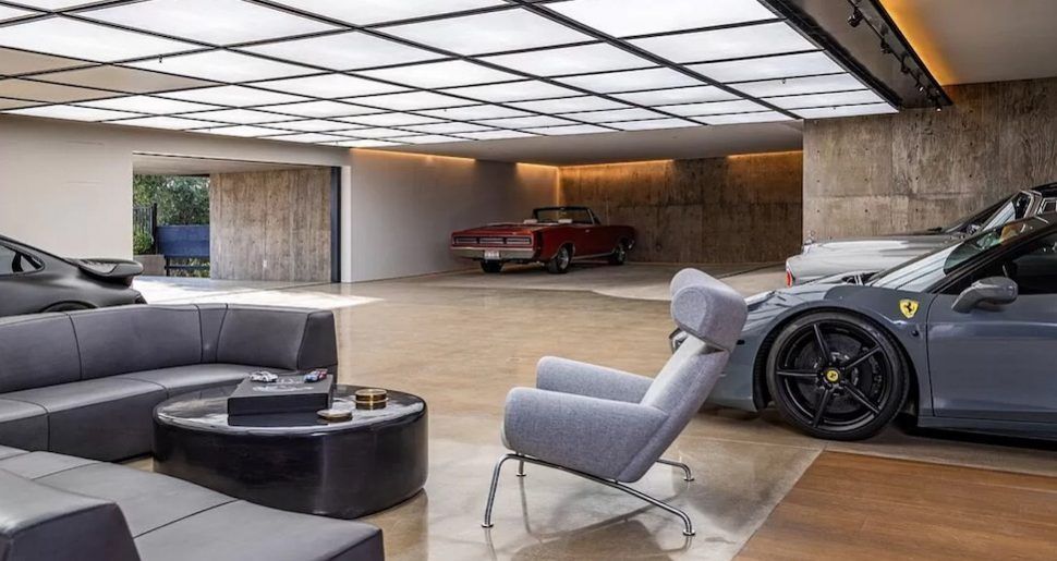huis vijftien auto's garage