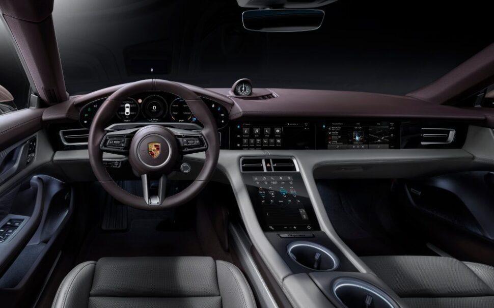 Interieur van de Porsche Taycan