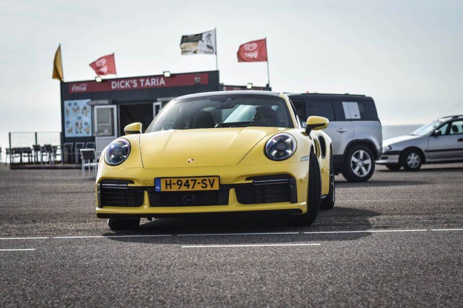 porsche 992 turbo vakantieauto behind the scenes