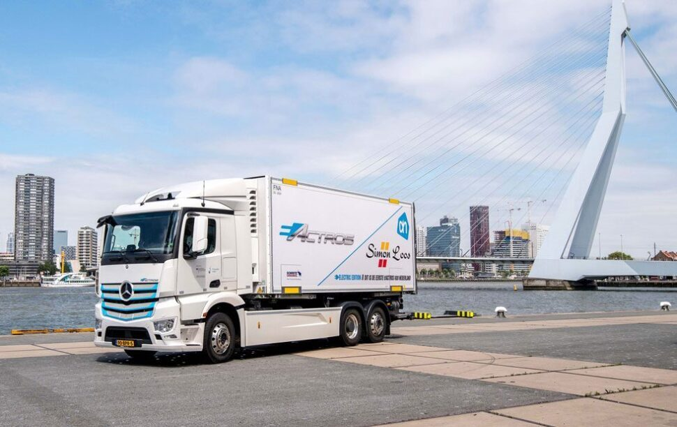 De Mercedes eActros die getest zal worden in Nederland