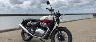 royal-enfield-interceptor-beach