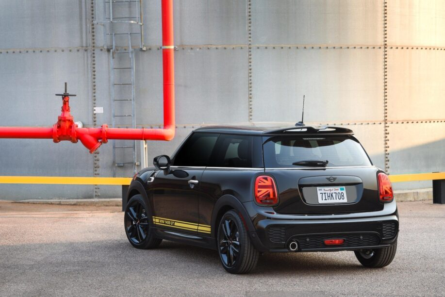 Back of the Mini Cooper 1499 GT