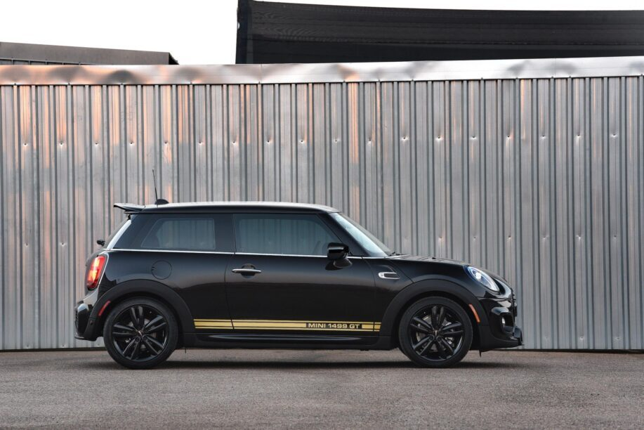 Side of the Mini Cooper 1499 GT
