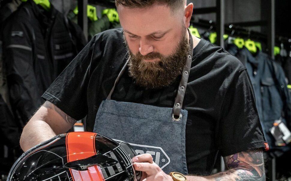 personal fitting shoei motorrijder upgrades