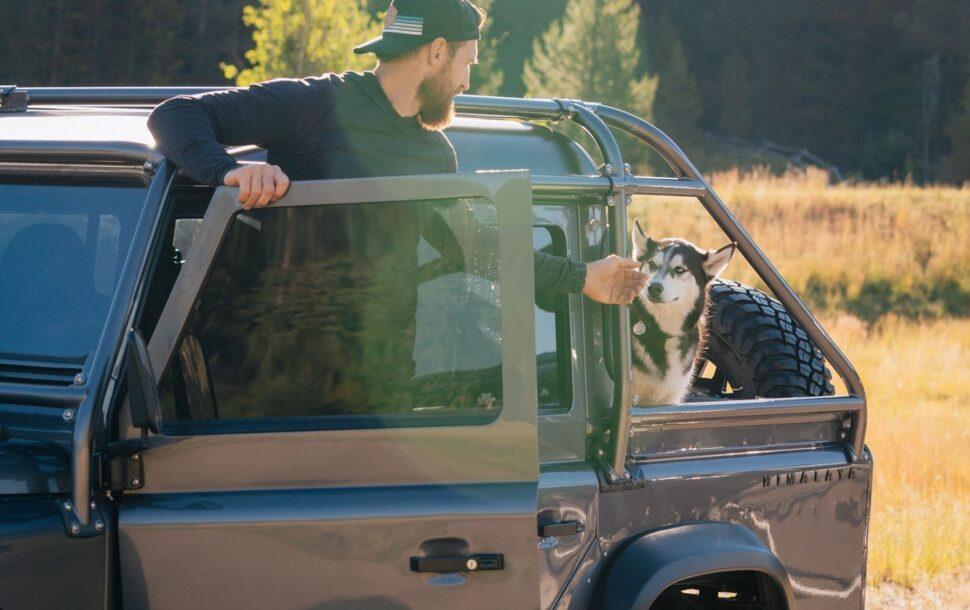Land Rover Defender en Kodiak vliegtuig combideal