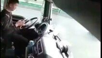 Video - nog zo'n voorbeeld dat je niet moet appen en rijden