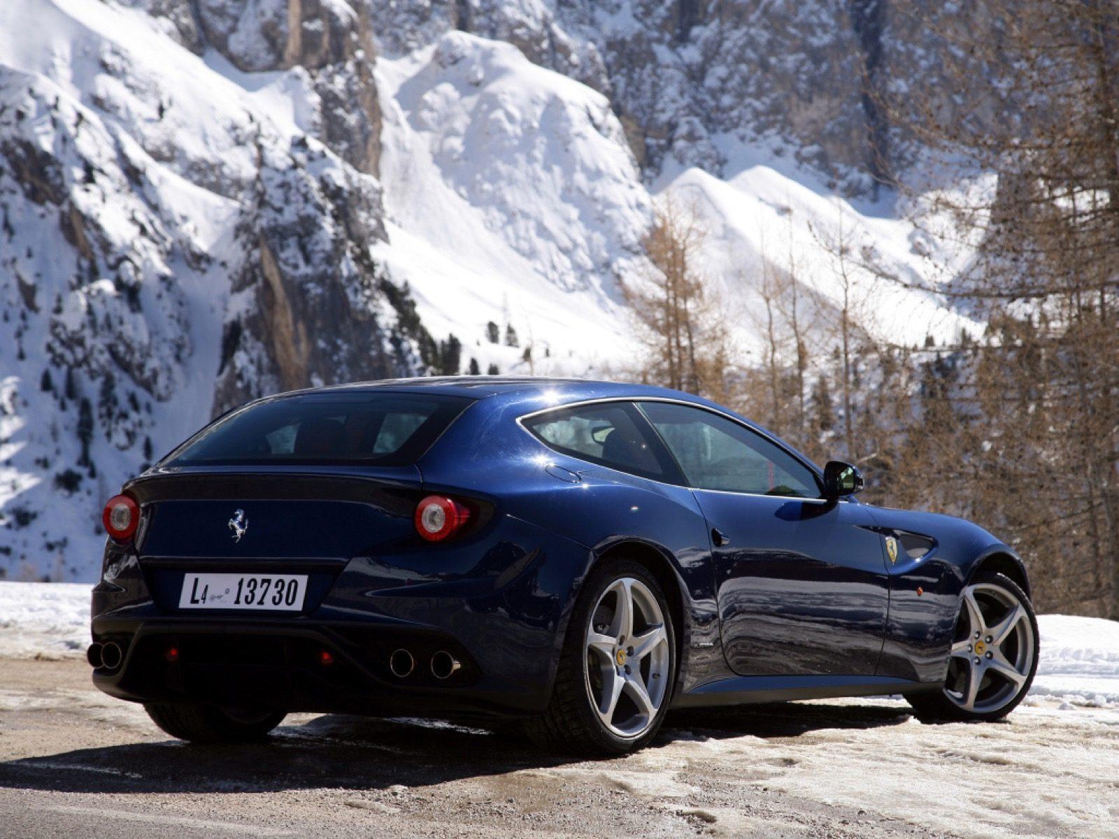 moderne Ferrari twaalfcilinder GT
