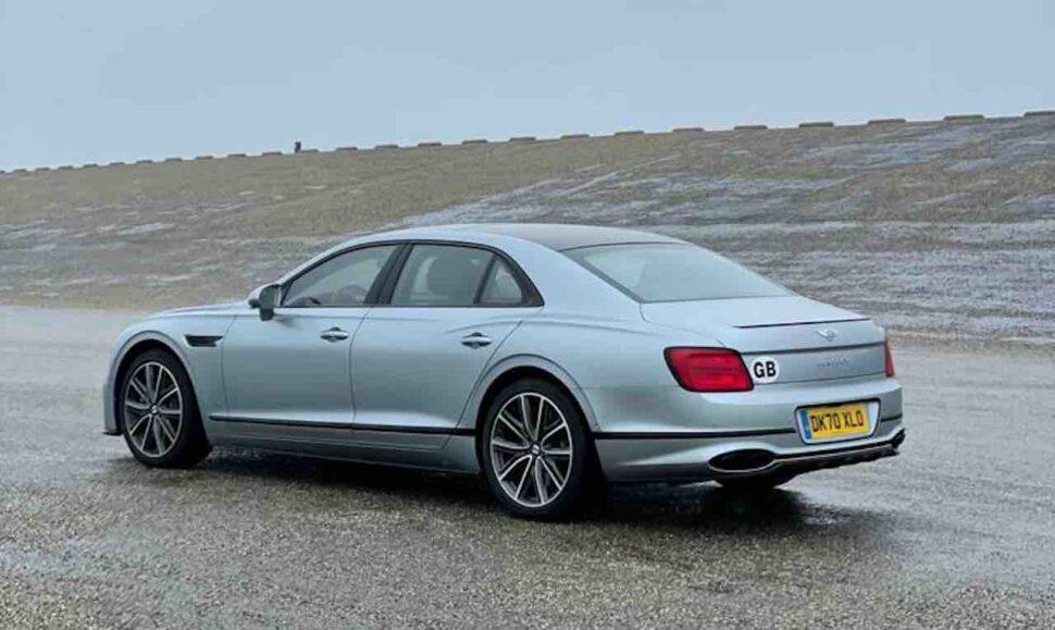 Bentley Flying Spur V8 rijtest
