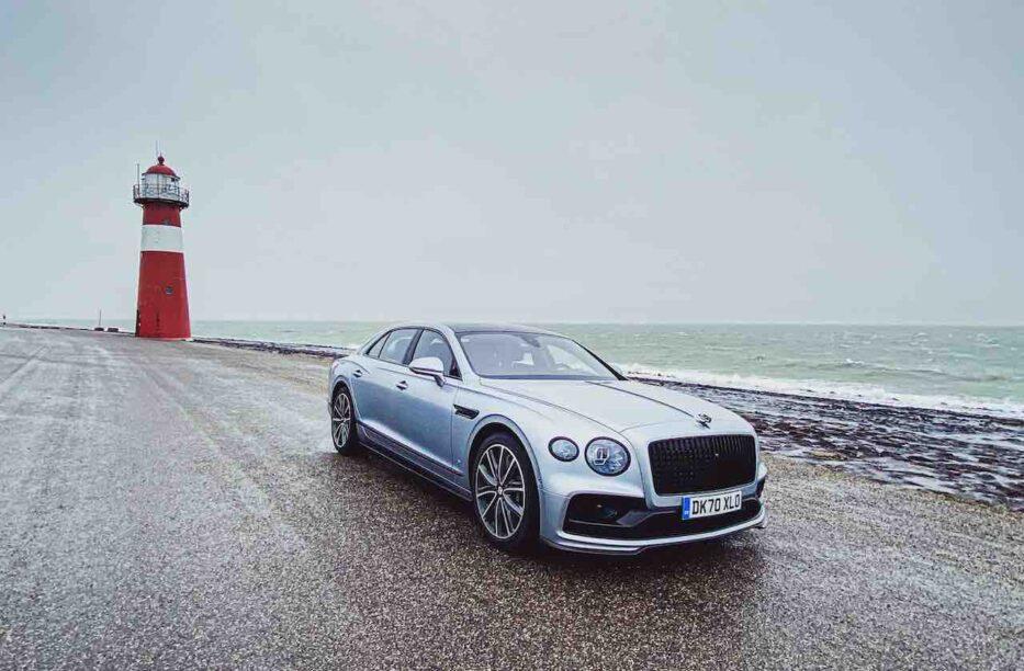 Bentley Flying Spur V8 S rijtest