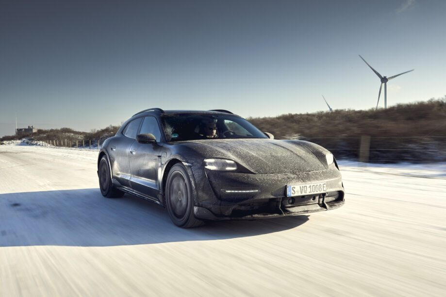Porsche Taycan Cross Turismo driving impression