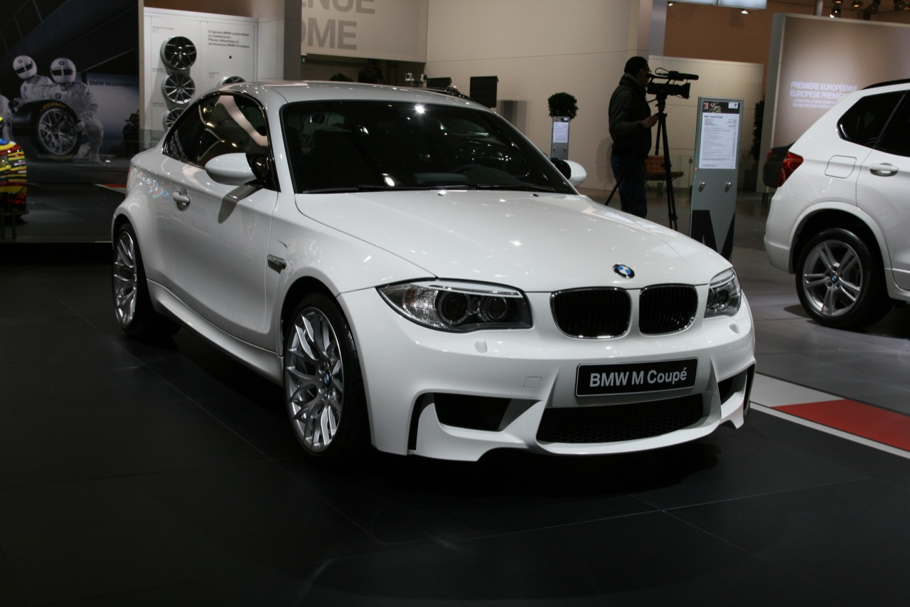 niet in lelijk oranje bmw 1m in het wit in brussel. Black Bedroom Furniture Sets. Home Design Ideas