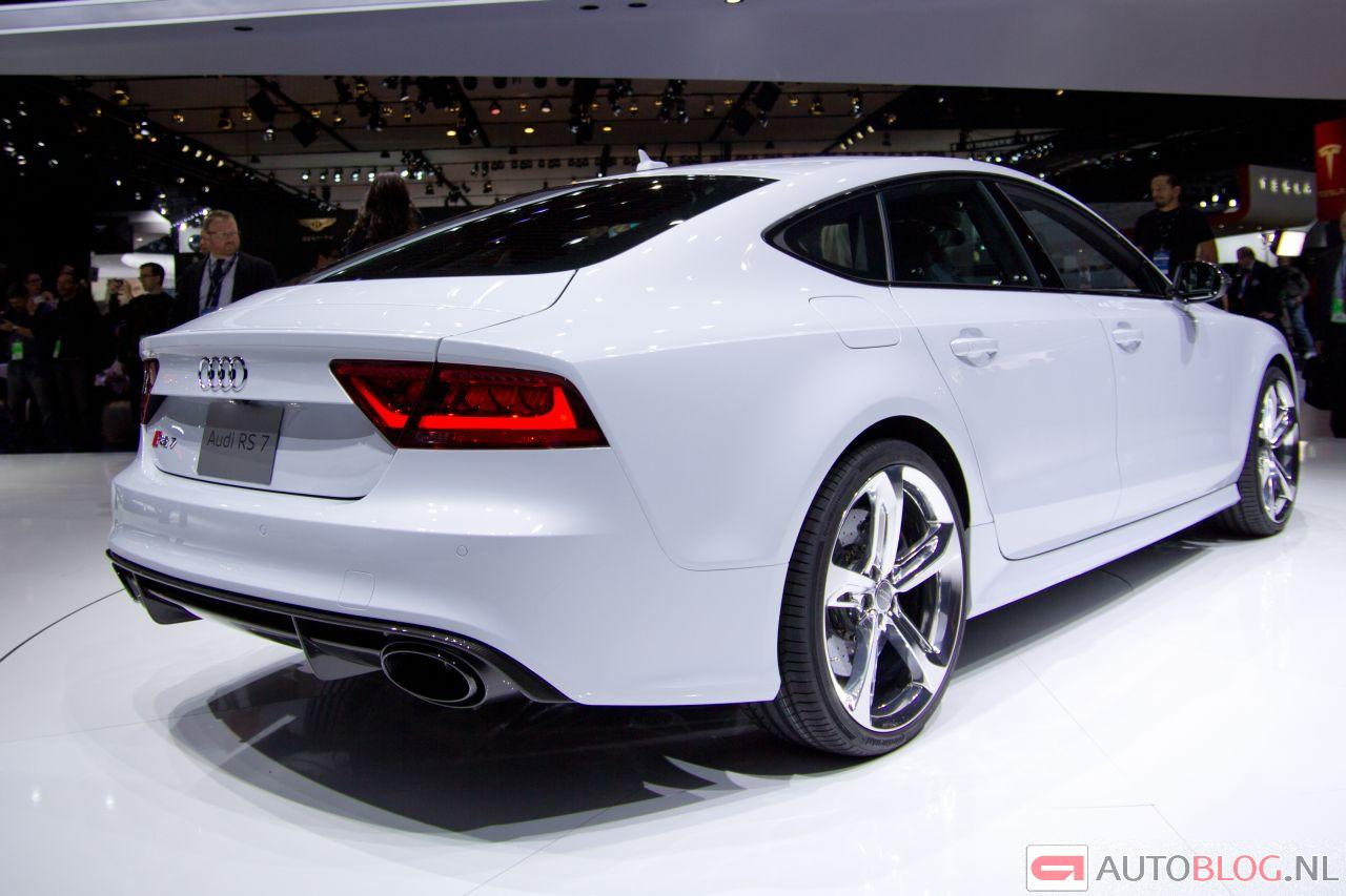 audi rs7 is bruut met een grote b. Black Bedroom Furniture Sets. Home Design Ideas