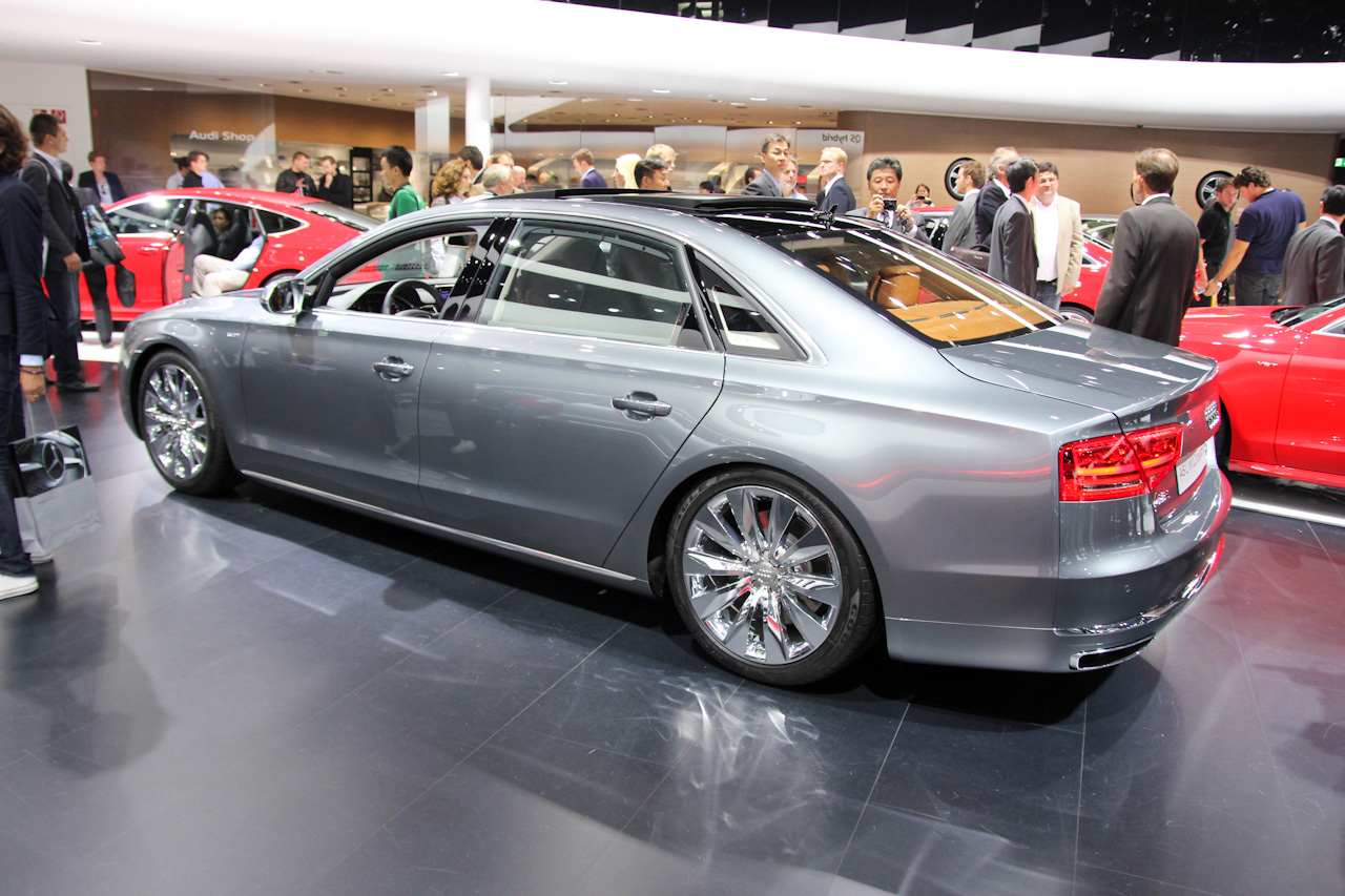 audi a8 l w12 exclusive concept nordschleife autoblahg. Black Bedroom Furniture Sets. Home Design Ideas