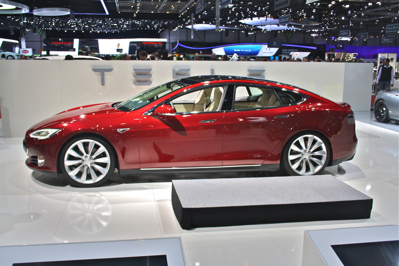 Acculovers Rejoice Lancering Tesla Model S Is Een Feit