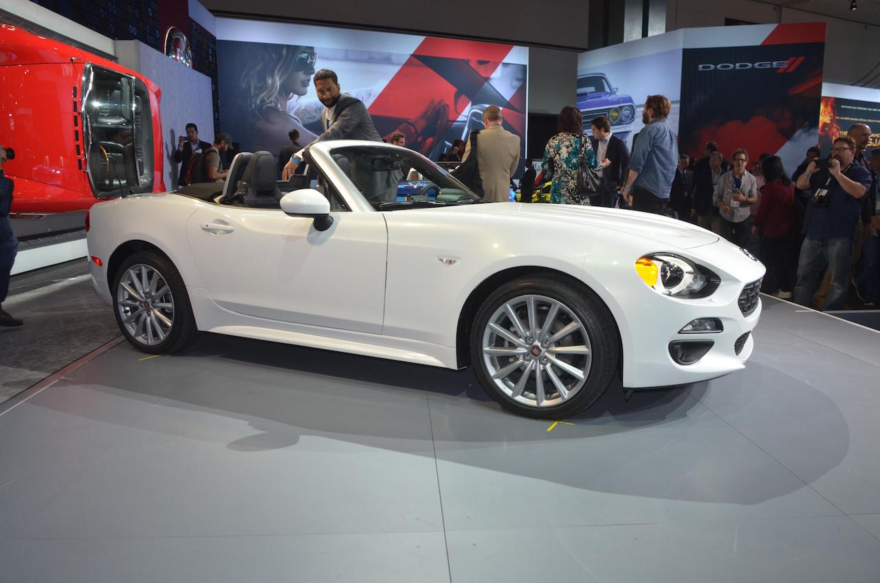 foto beurzen los angeles 2015 fiat 124 spider fiat 124. Black Bedroom Furniture Sets. Home Design Ideas