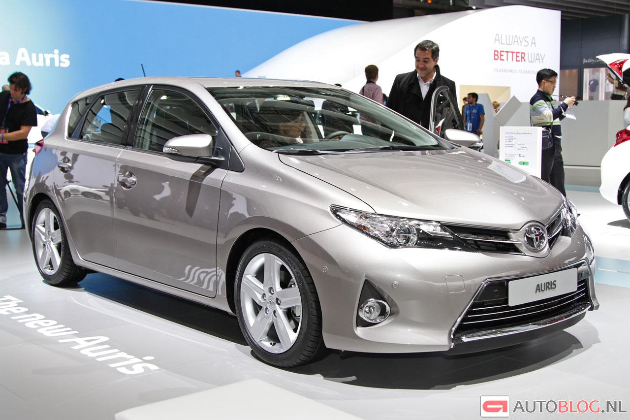 toyota auris touring sports live in parijs. Black Bedroom Furniture Sets. Home Design Ideas