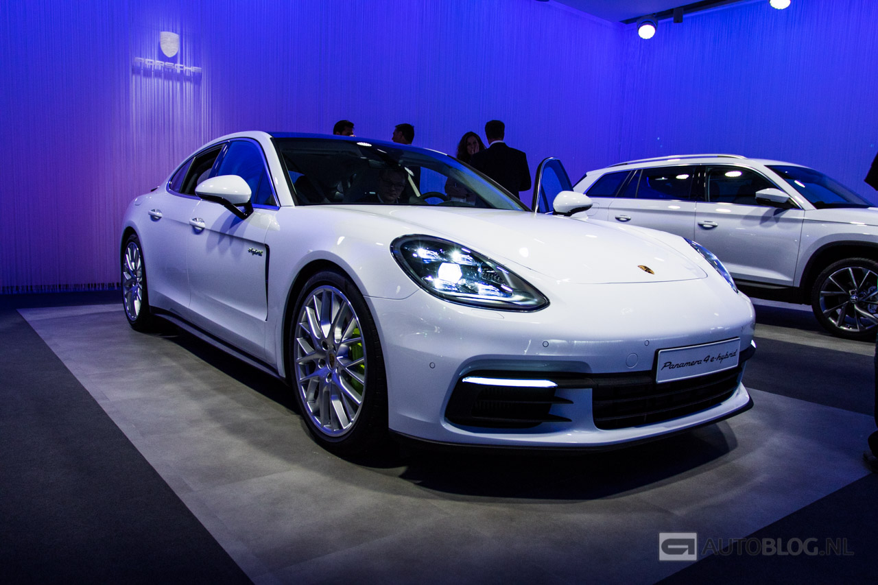 vijf feiten over de porsche panamera 4 e hybrid. Black Bedroom Furniture Sets. Home Design Ideas
