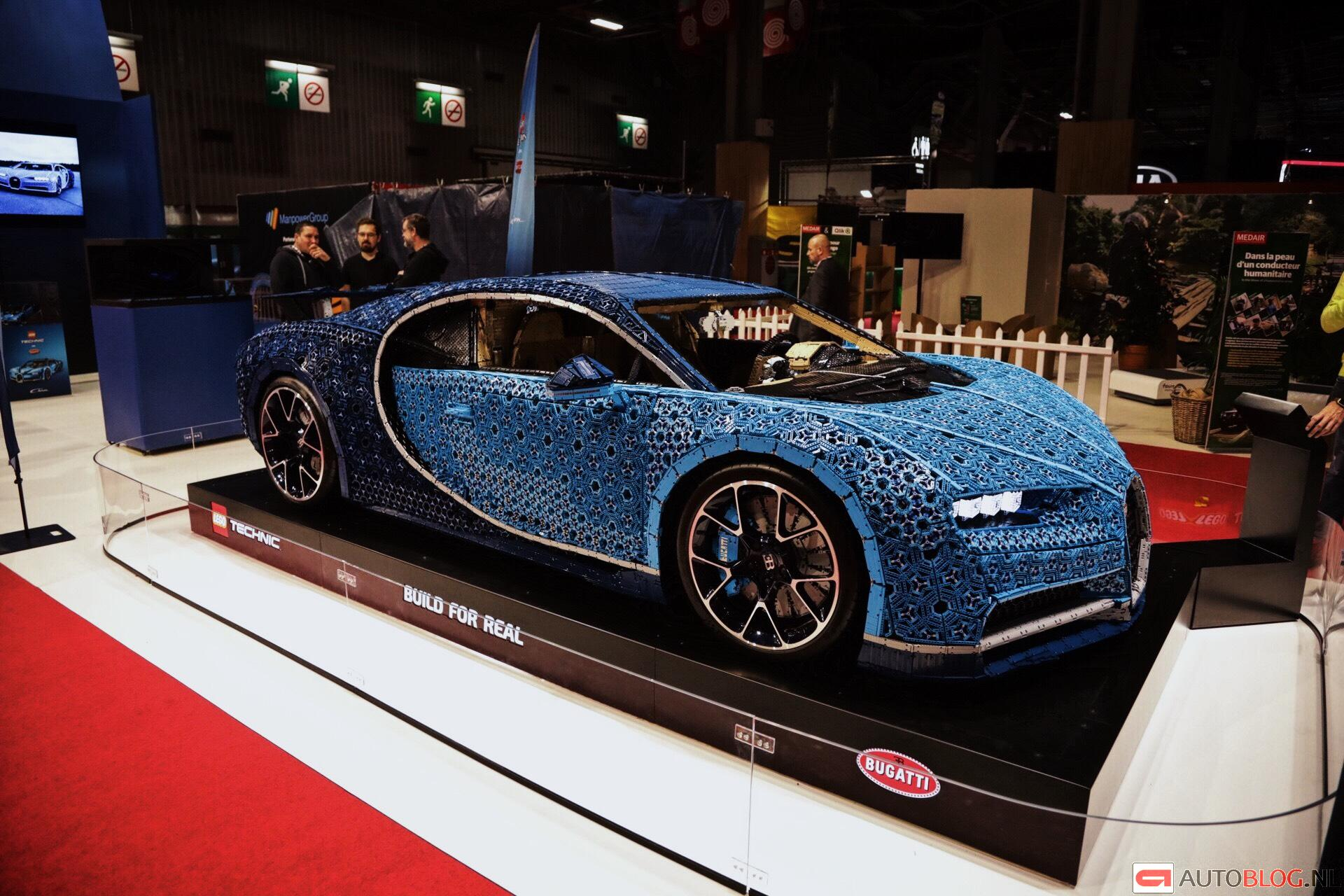 bugatti chiron lego livepics met bizarre details. Black Bedroom Furniture Sets. Home Design Ideas