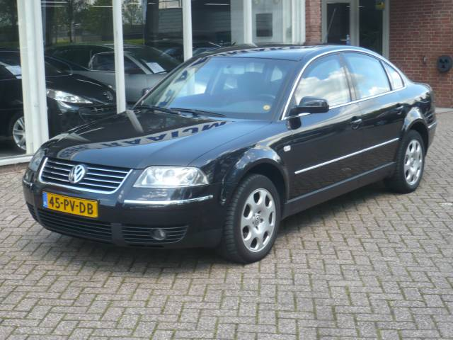 celebs willem holleeder volkswagen passat w8 afbeeldingen. Black Bedroom Furniture Sets. Home Design Ideas