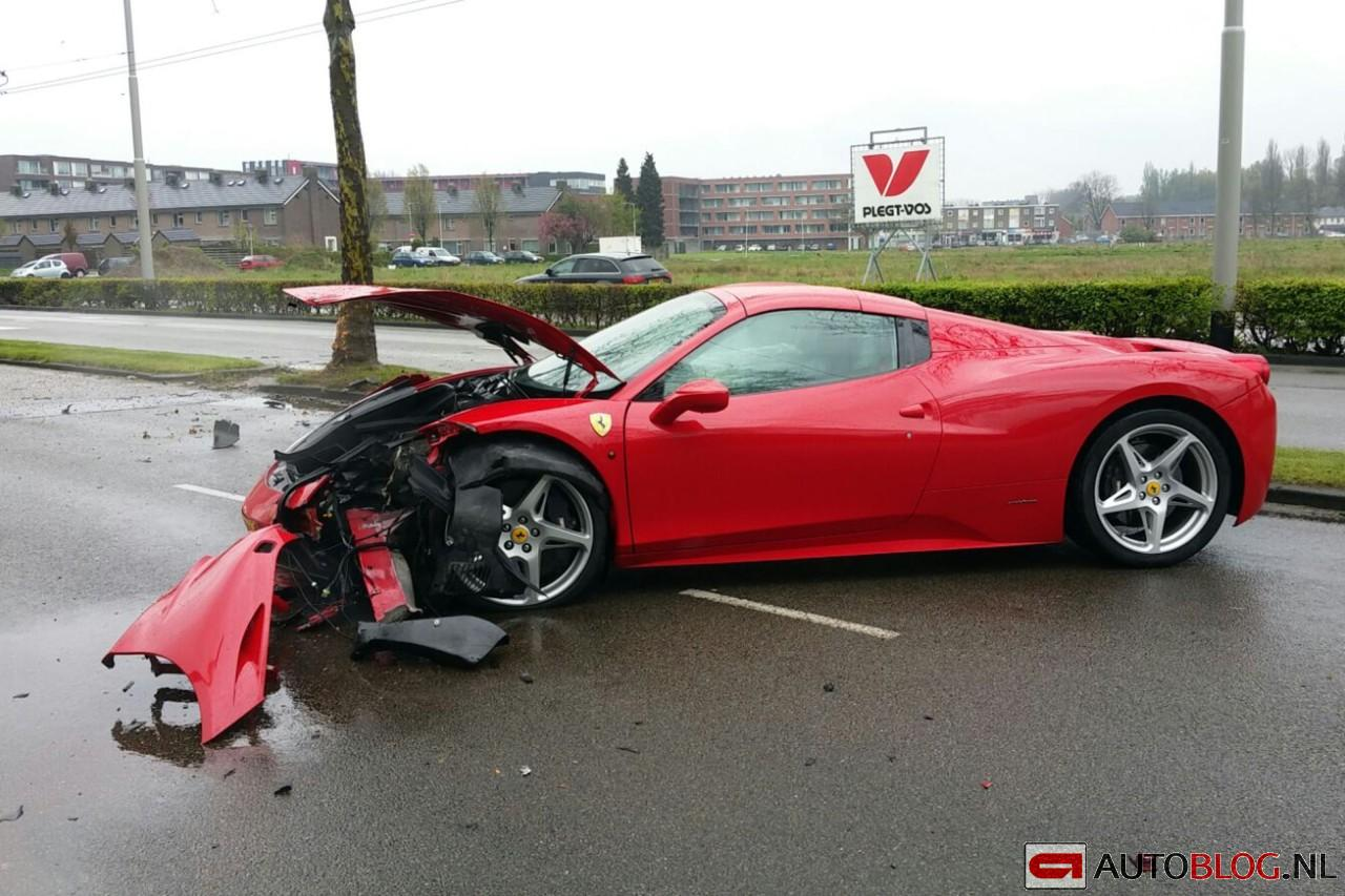 Ferrari 458 Crash 004 on fisker spider