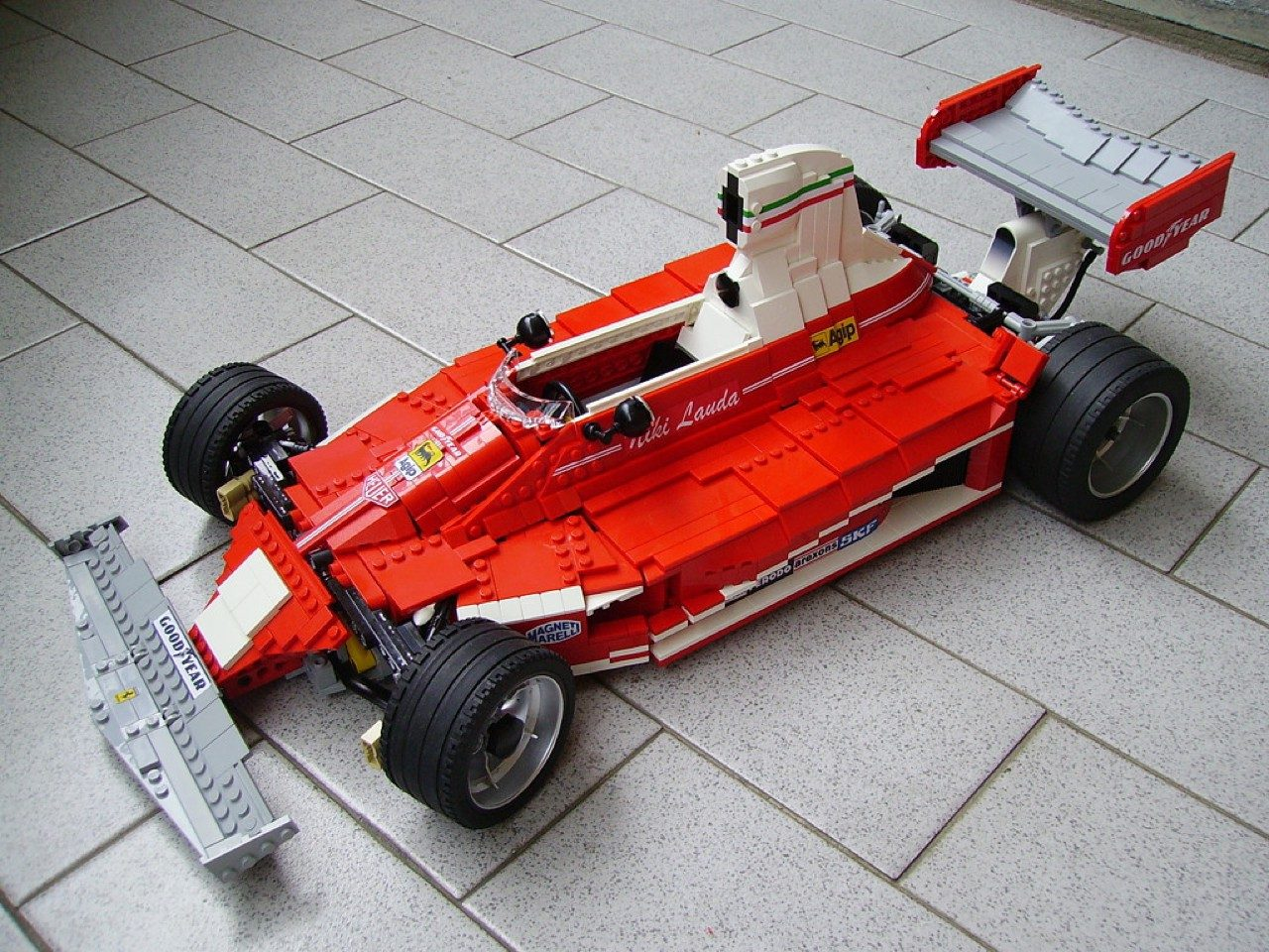 foto divers lego formule 1 autos lego f1 cars lotus mclaren ferrari 0000. Black Bedroom Furniture Sets. Home Design Ideas