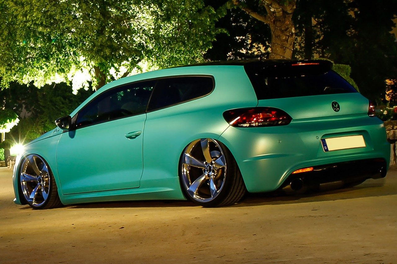 deze volkswagen scirocco r is groen blauw en heeft 370 pk. Black Bedroom Furniture Sets. Home Design Ideas