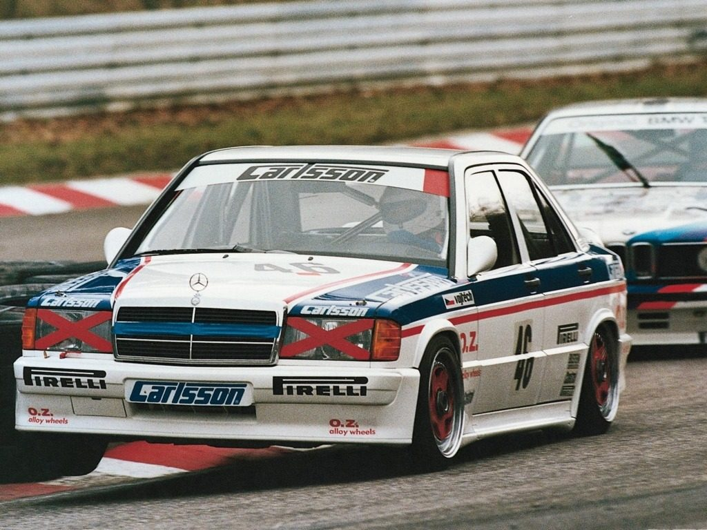 Legends of dtm for Mercedes benz race