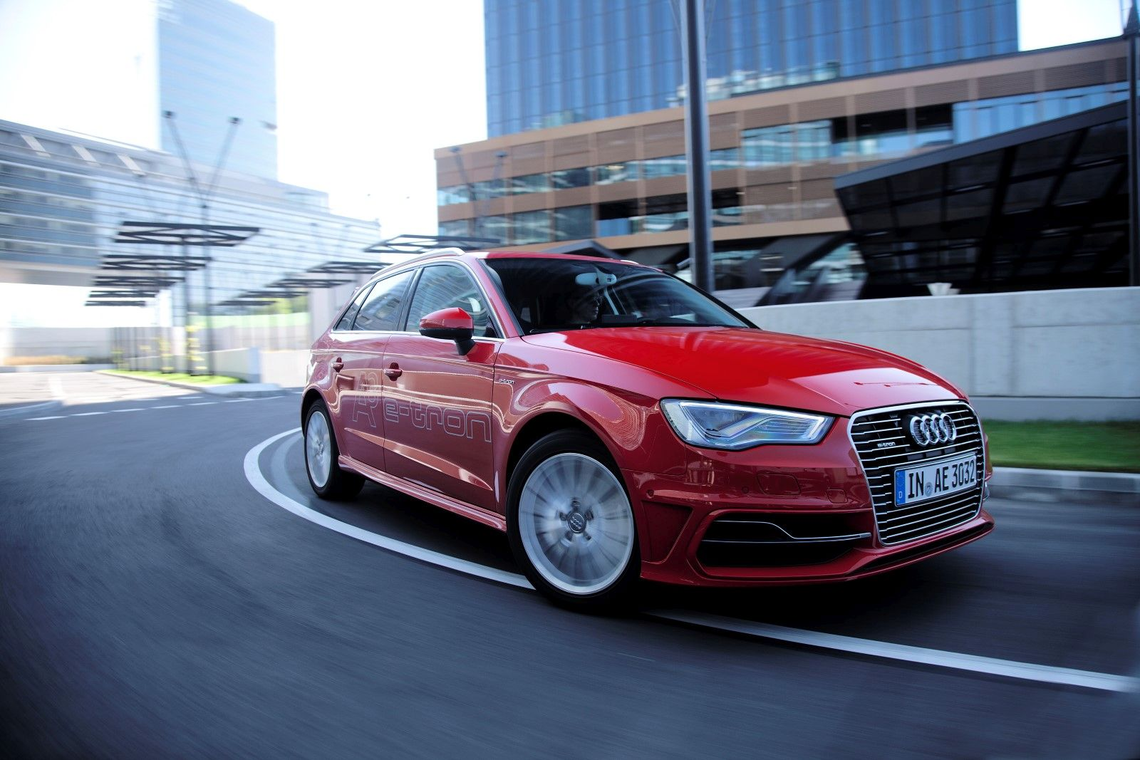 audi a3 sportback e tron rijtest en video. Black Bedroom Furniture Sets. Home Design Ideas