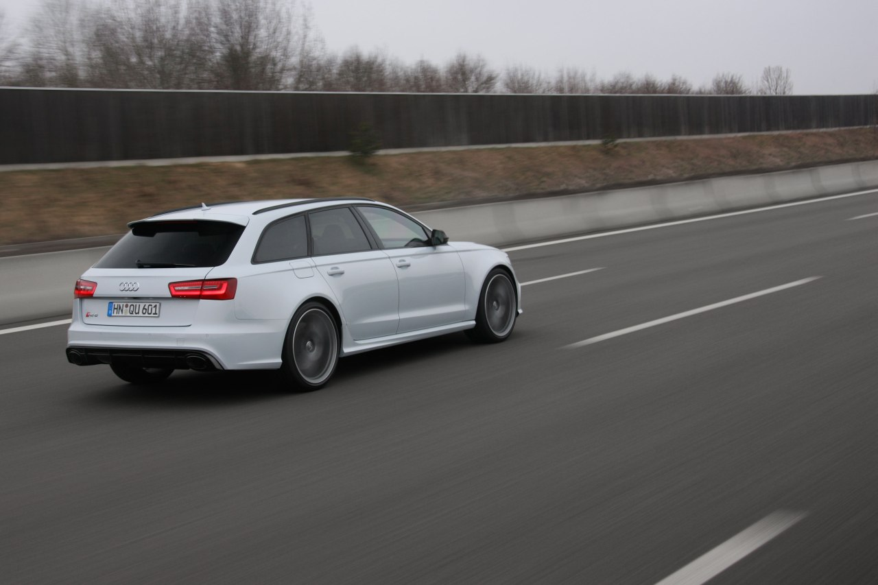 audi rs6 avant rijtest en video. Black Bedroom Furniture Sets. Home Design Ideas