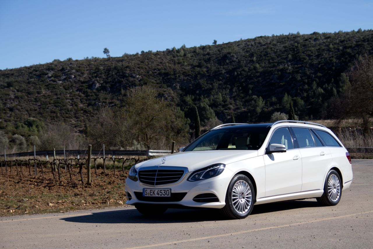 Mercedes benz e300 bluetec hybrid rijtest en video for Mercedes benz hybrids