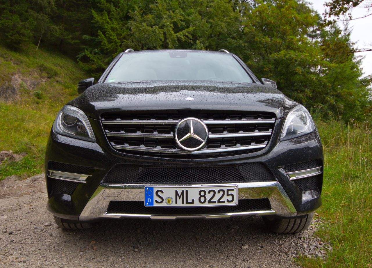 Rijtest en video mercedes benz ml 350 bluetec for Mercedes benz blue tec