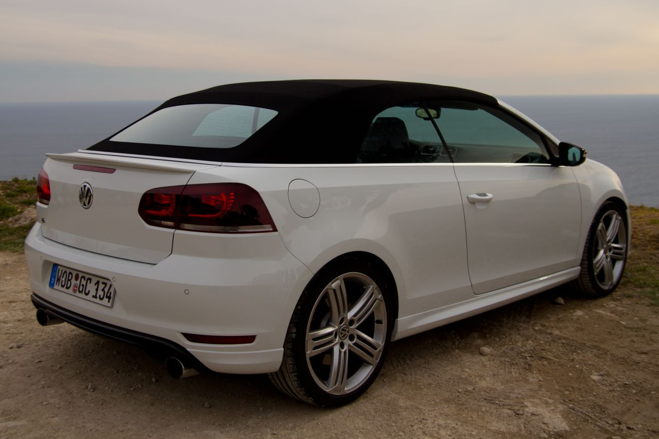 volkswagen golf r cabriolet rijtest en video. Black Bedroom Furniture Sets. Home Design Ideas