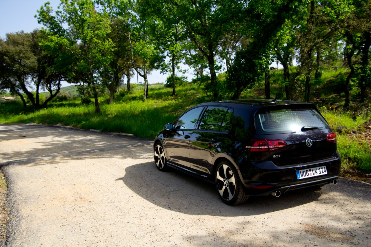 volkswagen golf gti performance rijtest en video. Black Bedroom Furniture Sets. Home Design Ideas