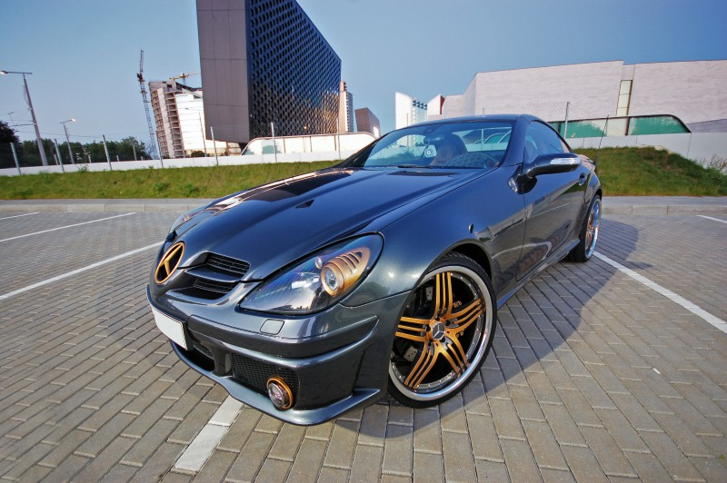 super fout mercedes slk met versace interieur. Black Bedroom Furniture Sets. Home Design Ideas