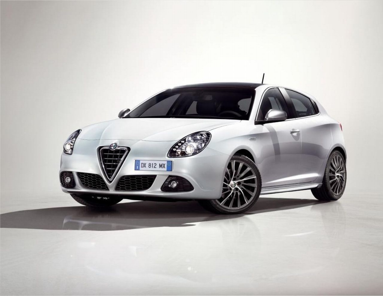 alfa romeo giulietta occasion video aankoopadvies. Black Bedroom Furniture Sets. Home Design Ideas