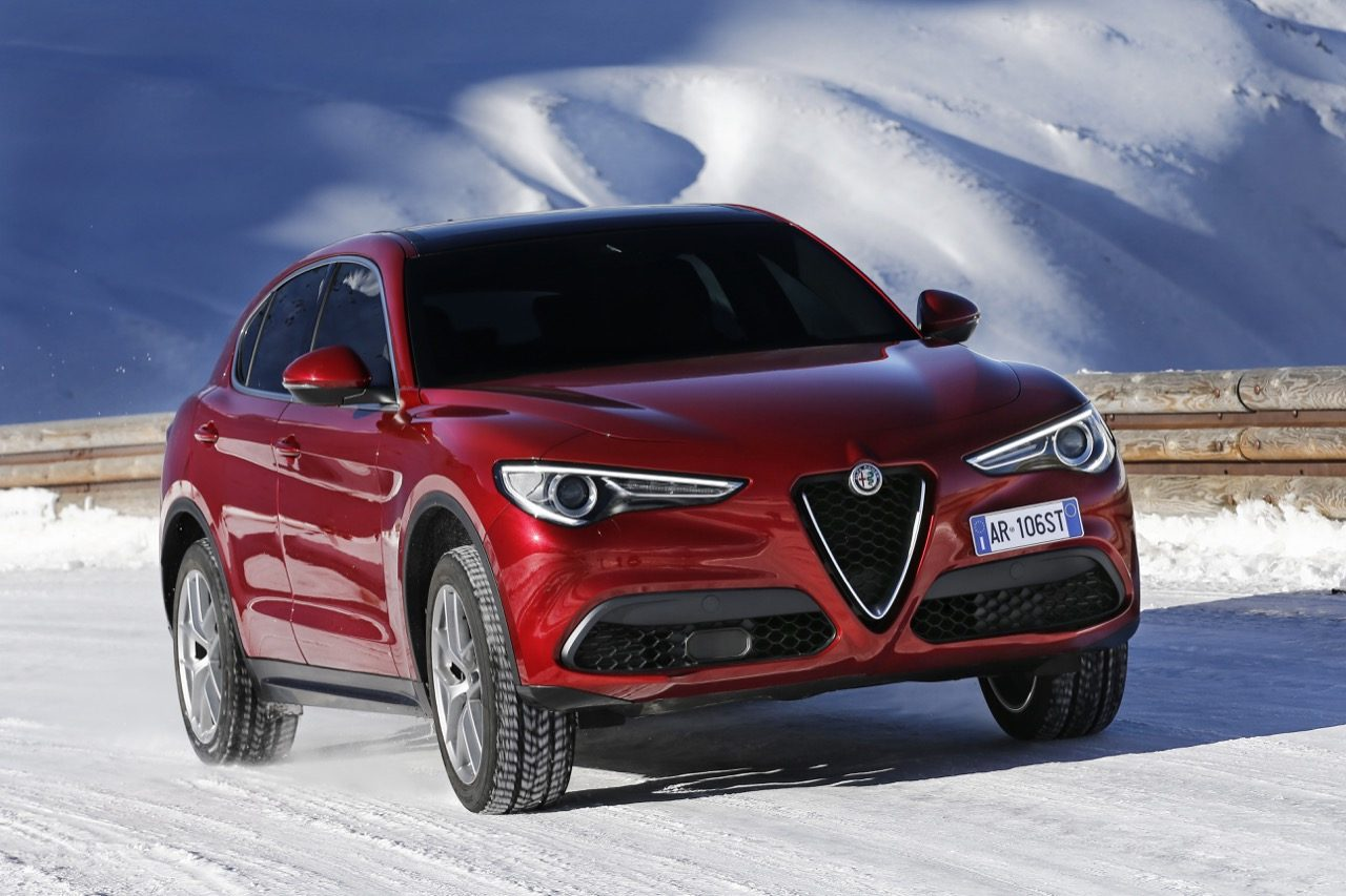meer harde informatie over de alfa romeo stelvio. Black Bedroom Furniture Sets. Home Design Ideas