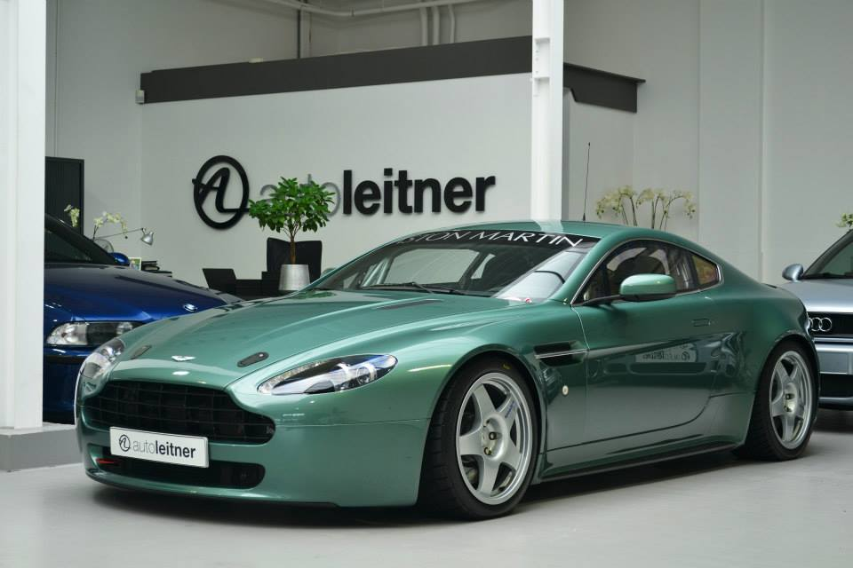 zoek auto met occasion aston martin vantage. Black Bedroom Furniture Sets. Home Design Ideas