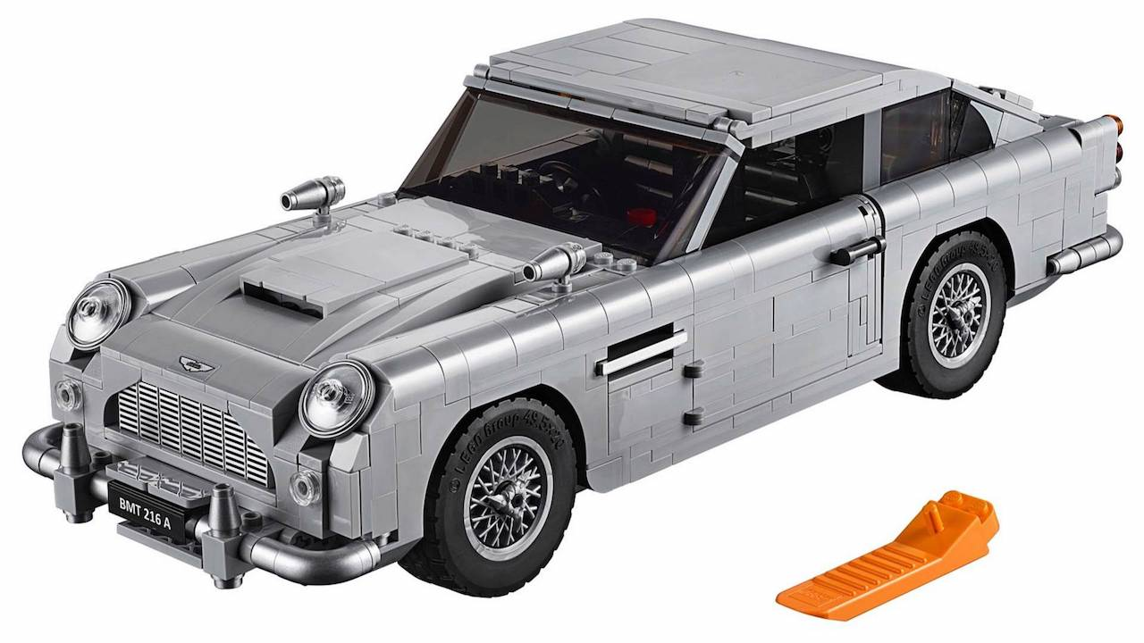 officieel 007 aston martin db5 als lego creatie. Black Bedroom Furniture Sets. Home Design Ideas