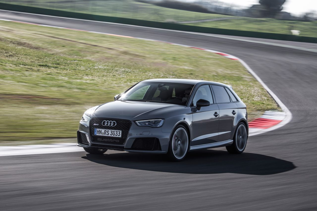 foto audi rs3 2015 nardo grey audi rs3 2015 nardo grijs 19. Black Bedroom Furniture Sets. Home Design Ideas