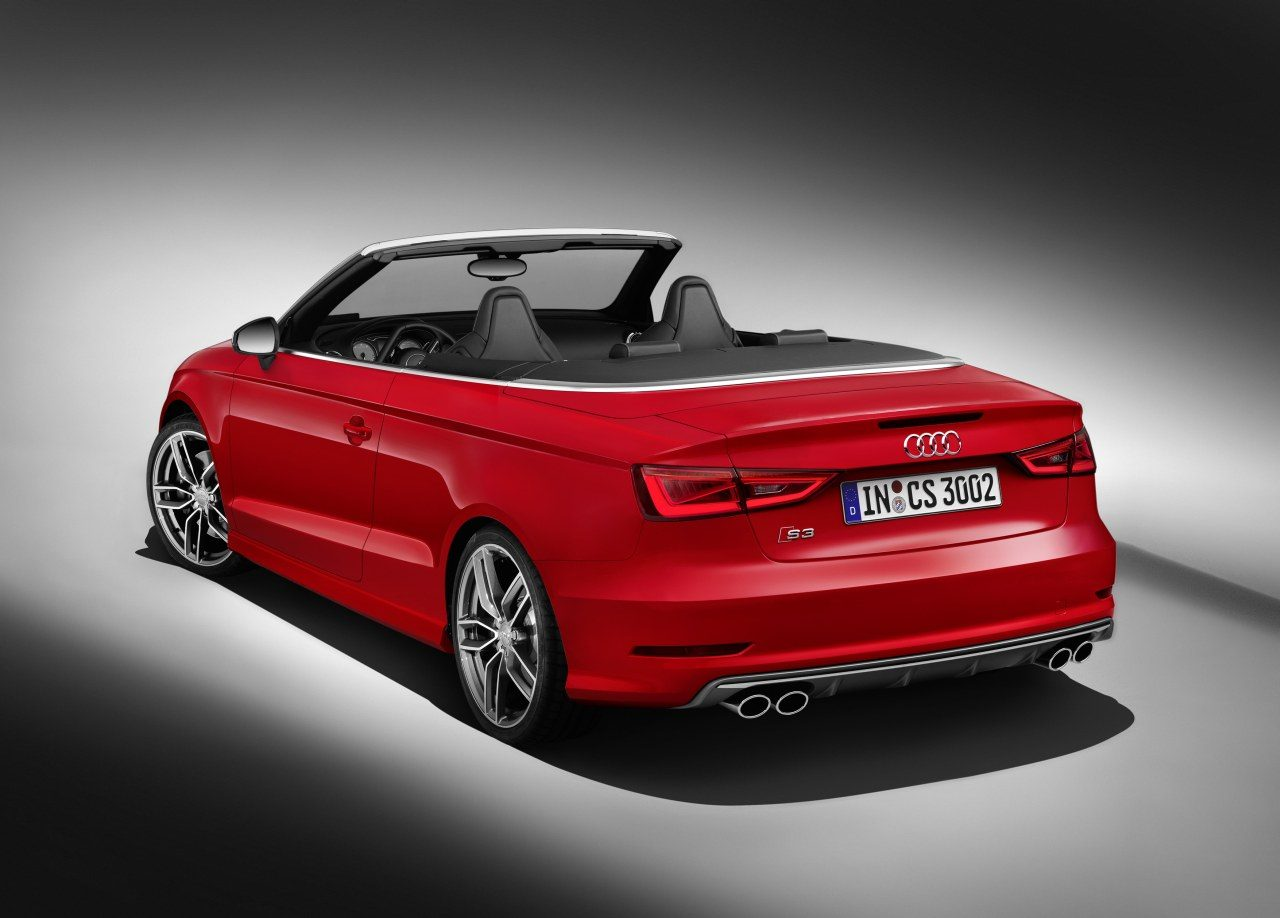 audi s3 cabriolet rolt je scherm op. Black Bedroom Furniture Sets. Home Design Ideas