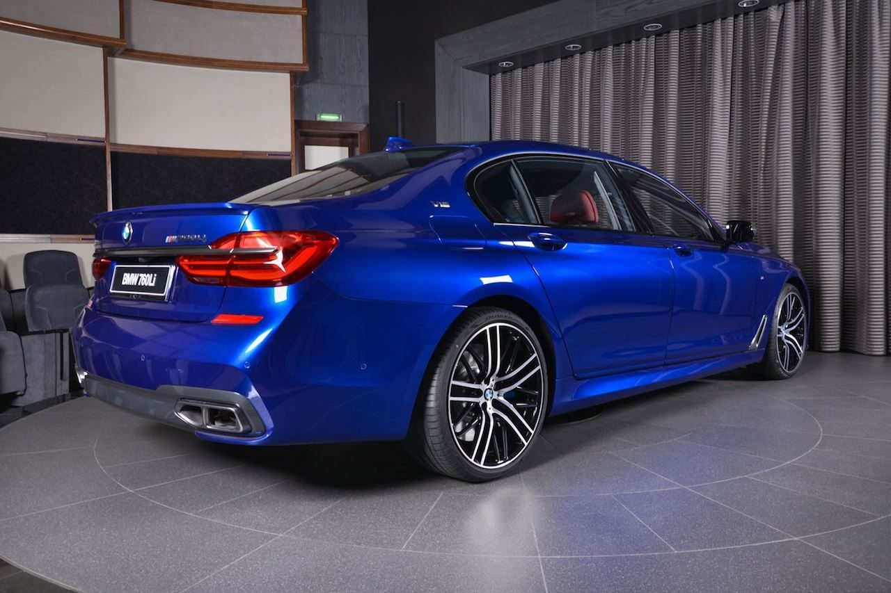 In your face! De M760Li in San Marino Blue - Autoblog.nl