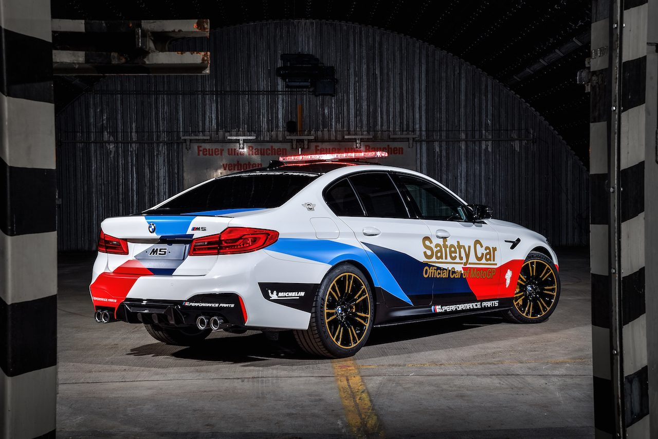 bmw m5 f90 debuteert als motogp safety car. Black Bedroom Furniture Sets. Home Design Ideas
